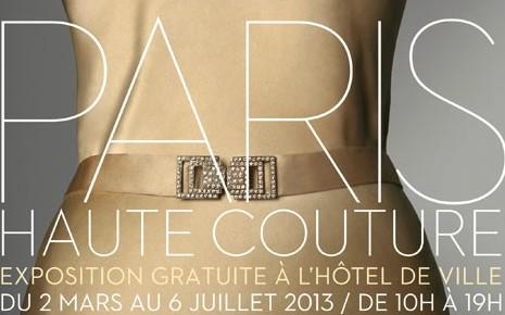 l-affiche-de-l-exposition-paris-haute-couture-a-l-hotel-de-ville